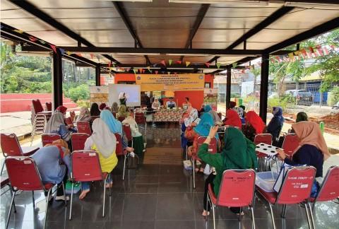 Warga Duren Sawit Sambut Positif Pelatihan Hidroponik